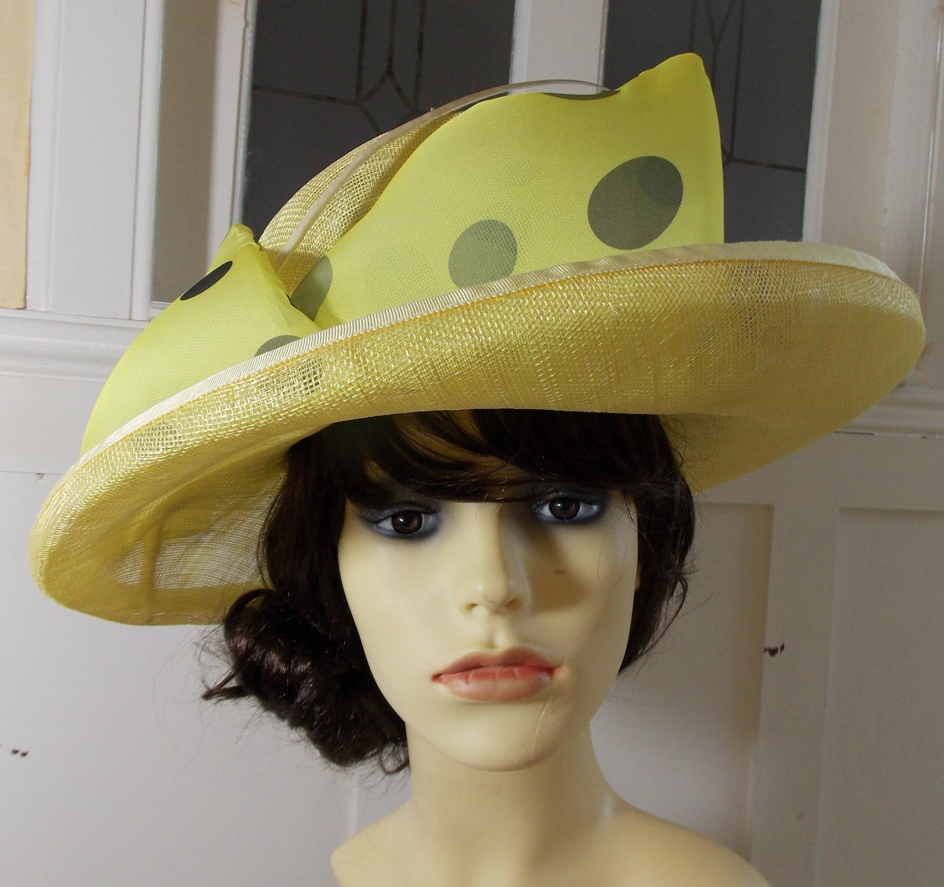 Primorose puffed bow hat 1