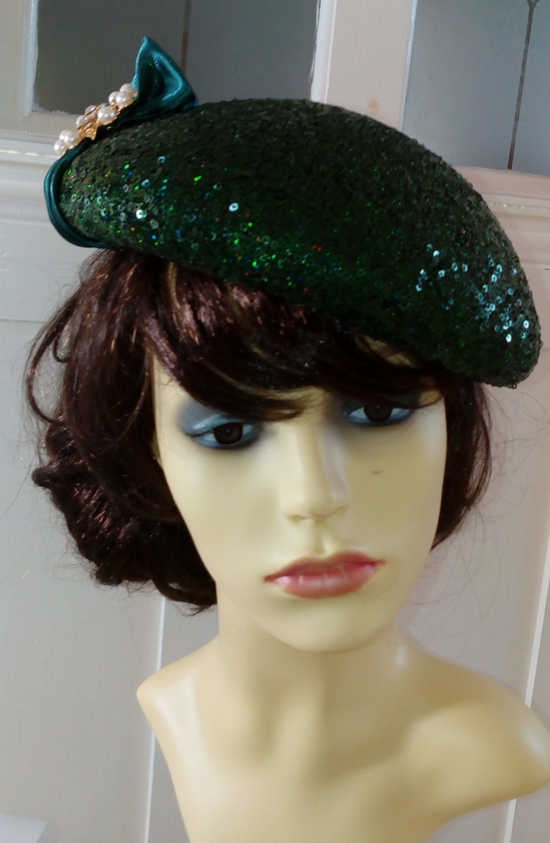 Emerald green cocktail beret 1